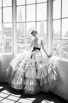 Check out the whole Carolina Herrera Resort 2017 collection by clicking through the gallery. More photos on the NEXT PAGE -> Photo: Courtesy of Carolina Herrera ' Couture Mode, Style Couture, Couture Fashion, Bridal Fashion, Carolina Herrera, Fashion 2017, Look Fashion, Fashion Show, Vogue Fashion