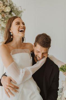 Foolishly Rushing In: Fotografía editorial de bodas inspirada en la moda – Wedding Hub Nicole Richie, Romantic Moments, Top Wedding Photographers, Creative Director, Hair Makeup, The Incredibles, Romantic Weddings, Unique Weddings, Elegant Wedding