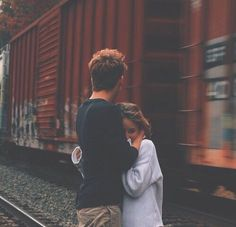 Read Como se abrazan from the story teen wolf preferencias by -poisxn (̗̀𝖑𝖚𝖈𝖞) with reads. Cute Couples Hugging, Cute Couples Photos, Cute Couples Goals, Couple Pictures, Couple Goals, Tall Boyfriend Short Girlfriend, Girlfriend Goals, Short Couples, Teen Couples