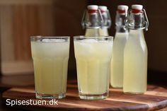 Her er stadig sommer og høje temperaturer, og vi kører lystigt lemonade ned i disse dage :-) Et bjerg af skønne modne citroner, hentet hjem fra Bilkas grøntafdeling, leverer masser af dejlig frisk …