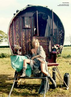Kate Moss livin' the Gypsy Life !!