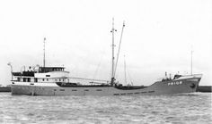 PRIOR Eigenaar A.C. Hoff, Rotterdam  Bouwjaar 1951  http://vervlogentijden.blogspot.nl/2016/06/elke-dag-een-nederlands-schip-uit-het_24.html