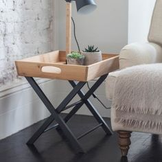Offering portable, streamlined design the Butlers Side Table works beautifully when positioned beside an armchair, sofa or bed. Butler Table, Butler Tray, Butlers Tray Table, Deep Sofa, Modern Side Table, Bed Side Table Ideas, Side Tables, Unique Gardens, Light Table