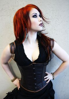 Top Gothic Fashion Tips To Keep You In Style. As trends change, and you age, be willing to alter your style so that you can always look your best. Consistently using good gothic fashion sense can help Punk Girls, Gothic Girls, Goth Beauty, Dark Beauty, Dark Fashion, Gothic Fashion, Steam Punk, Dark Black, Suicide Girls