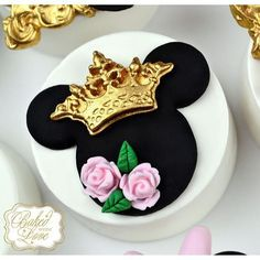 Sneak peek of this weekend's Royal Minnie Mouse chocolate covered Oreos for a…