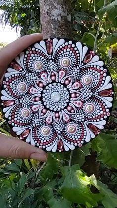 Dot Painting Tools, Stone Art Painting, Dot Art Painting, Mandala Painting, Mandala Drawing, Pebble Painting, Mandala Canvas, Mandala Dots, Mandala Design