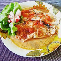 #fish #againbream#bream #tomatoes #onion #radish #lettuce #dinner #znowuleszczyk#leszczykzłowionymężaręcami #leszcz #sałatazielona #rzodkiewka
