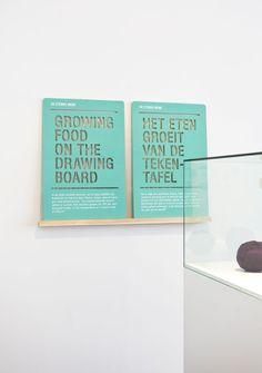 raw color exhibition signage « plenty of colour