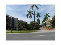 6940 NW 186th St Miami FL 33015
