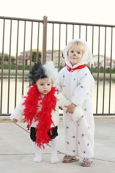 Eeep! Love it!! The baby can be a puppy, and Lily can be Cruella!!! This Halloween, for sure  :)