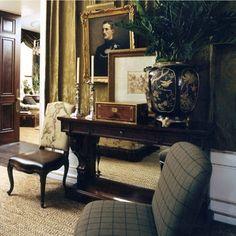Rich arrangement, chairs, art