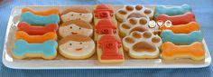 Biscoitos decorados para a Festa do João Pedro e seus cachorros - Puppy Party decorated cookies