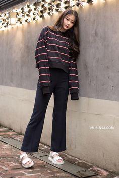 Street style thế giới: Áo nỉ sweatshirt tiếp tục trở thành item số 1 ngày chớm…