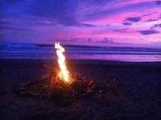 心地よいビーチでのたき火
