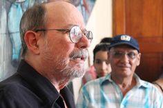 El Premio fue recibido por Silvio Rodríguez y sus compañeros en los estudios Ojalá.