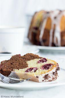Ein Kuchen für jede Jahreszeit: Kirsch-Rum-Gugelhupf. Saftig, sehr gut geeignet für Geburtstage. Hält lange frisch.