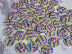 Custom badges/personalised badges made from your own designs. Design your own custom badges using our template & upload your custom badge designs directly on our website. Perfect for promo badges, schools, events & charities. Personalised Badges, Custom Badges, Custom Buttons, Badge Template, Badge Creator, Thing 1, Badge Design, Button Badge, Design Your Own