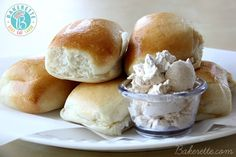 Texas Roadhouse Rolls Recipe with Honey Cinnamon Butter. Bakerette.com