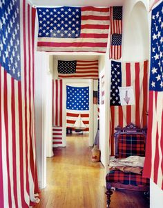 Through the French eye of design: Independence Day. This is a home but the clean red, white and blue flag design could work well in a retail window display. 4th Of July Fireworks, July 4th, Living Vintage, Home Of The Brave, Design Blog, Blue Rooms, Old Glory, Flag Decor, God Bless America