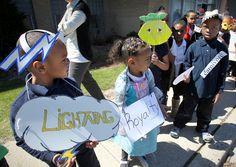 Photos: Kids vocabulary parade