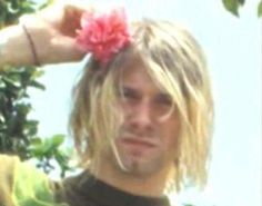 Find images and videos about flower and kurt cobain on We Heart It - the app to get lost in what you love. Frances Bean Cobain, Kurt And Courtney, Donald Cobain, Nirvana Kurt Cobain, Rock Of Ages, Dave Grohl, Rock Legends, Foo Fighters, Forever