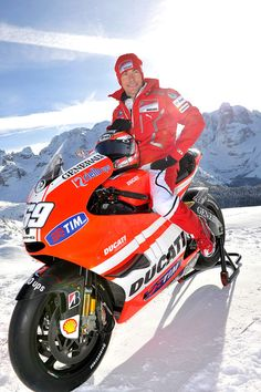 Pinned! See you at Sepang or Phillip Island circuit. Watching Moto GP race live this yr!  #DucatiTeam