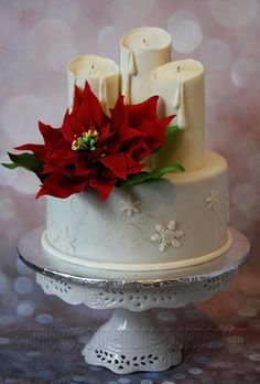 Looking for cake decorating project inspiration? Check out Poinsettia and Candles cake by member TammyJapan. : Looking for cake decorating project inspiration? Check out Poinsettia and Candles cake by member TammyJapan. Christmas Cake Decorations, Christmas Cupcakes, Holiday Cakes, Christmas Desserts, Christmas Treats, Christmas Baking, Winter Torte, Winter Cakes, Fancy Cakes
