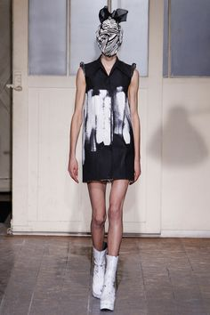 Maison Martin Margiela Spring 2013 Couture - Review - Fashion Week - Runway, Fashion Shows and Collections - Vogue