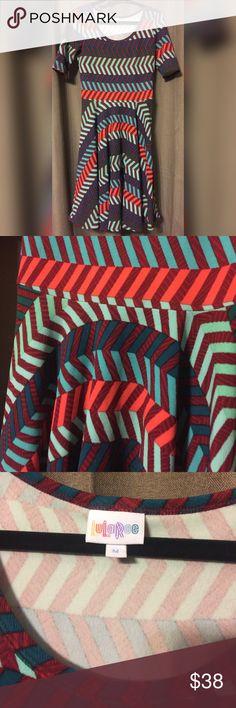 LuLaRoe Nicole Dress Medium Red and Green Nicole Dress... Like New Condition LuLaRoe Dresses Midi