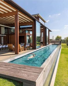 Everyone loves luxury swimming pool layouts, aren't they? Here are some leading checklist of deluxe pool photo for your motivation. These dreamy swimming pool design suggestions will transform your backyard right into an exterior sanctuary. Villa Design, Spa Design, Design Hotel, Backyard Pool Designs, Small Backyard Design, Backyard Lap Pools, Backyard Ideas, Pool Fence, Small Swimming Pools