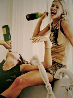 nice girls with champagne, gif pictures - Google keresés
