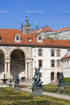 Prag, Tschechische Republik - barocke Waldstein-Garten in Mala strana — Foto von courtyardpix