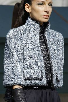 Chanel Autumn/Winter 2018 Couture - Chanel Cardigan - Ideas of Chanel Cardigan - Chanel Autumn/Winter 2018 Couture Chanel Fashion, Fashion 101, Fall Fashion Trends, Fashion Show, Fashion Outfits, Womens Fashion, Fashion Design, Outfits 2016, Winter Outfits