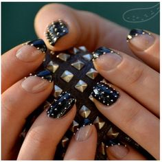 Using a black base you have to pick your micro beads using a wet orange stick and place them on your nails. Two coats of Seche Vite and that's it :) Black Gold Nails, Gold Nail Art, Nail Designs Tumblr, Cute Nail Designs, Hot Nails, Hair And Nails, Gorgeous Nails, Pretty Nails, Nice Nails