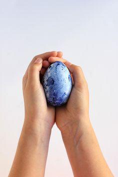 DIY Marbled Indigo Easter Eggs