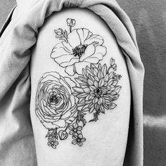 Minimalist flowers by @lillesnegl.  #poppy #peony #botanical #flowertattoo  #stipple