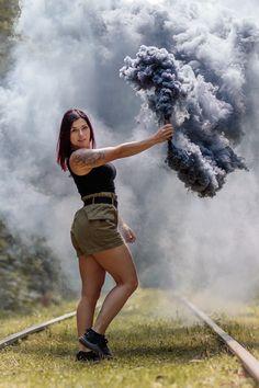 Eines der coolen Bilder aus dem Rauchshooting mit der lieben Alexandra Mehr Bilder findest du auf meinem Instagram Account: michellecolombo___ und auf www.photodreamrs.com Portrait, Mini Skirts, Instagram, Fashion, The Cool, Cool Pictures, Wedding, Moda, Headshot Photography