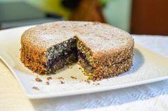 Makovo - kokosový koláč....zdravý Dessert Recipes, Desserts, Tiramisu, Banana Bread, Sweets, Ethnic Recipes, Food, Tailgate Desserts, Deserts