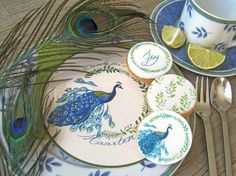 Stationery and cookies with peacock design made by www.yavescakeink.de