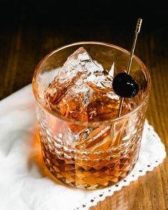 The Vieux Carre cocktail is a 1930's classic from New Orleans! It's strong and sippable, featuring rye whiskey, Cognac and vermouth. #vieuxcarre #cocktail #classic #classiccocktail #whiskeycocktail #cognac #vermouth #benedictinecocktail
