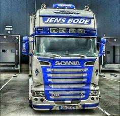Pic: @erwin.79  #trucks #scania #v8 #truckporn #picoftheday #hdroftheday #truck #gopro #hdr #hdrphotography #hdr_pics #scaniav8  #iphone #cloudporn #dikkk #nofilter #hdr_transports #braap #goinstyle #redlightdistrict #super #truckstagram #tv_hdr  #trucker #work #scaniawvw #dikkefotoja