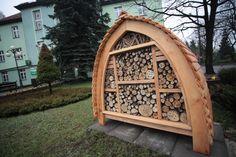 Hotele dla owadów / Insect hotel [foto: Remigiusz Śmietana]