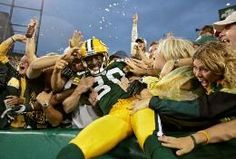 Image discovered by ktolbert. Find images and videos about packers, green bay and donald driver on We Heart It - the app to get lost in what you love. Go Packers, Green Bay Packers Fans, Packers Football, Football Cards, Football Season, Football Team, Greenbay Packers, Packers Baby, Football Baby