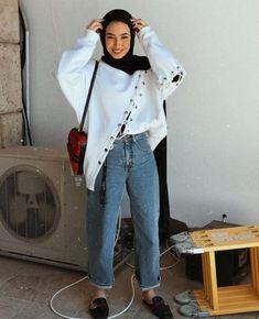 48 Ideas For Style Hijab Casual Chic Scarfs Hijab Fashion Summer, Modern Hijab Fashion, Street Hijab Fashion, Hijab Fashion Inspiration, Muslim Fashion, Modest Fashion, Fashion Outfits, Dress Fashion, Women's Fashion
