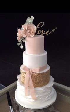 For those with a sweet tooth, selecting the perfect wedding cake for one's wedding can prove to be one of the favorite aspects of the wedding planning process. Blush Wedding Cakes, Fondant Wedding Cakes, Elegant Wedding Cakes, Beautiful Wedding Cakes, Wedding Cake Designs, Beautiful Cakes, Buffet Dessert, Beaux Desserts, Quince Cakes