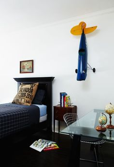 Aviator bedroom ideas | Create an incredible kids' bedroom with plane decorations and design! Check the most exclusive designs at: CIRCU.NET