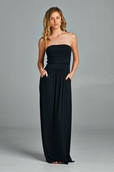 Yes! Strapless maxi with pockets!