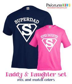 Que padre e hija t camisa conjunto. Papá super divertido y super hija t camisa conjunto. Perfecto regalo del día del padre para el papá y su niña. Camisetas se pueden personalizar como quieras. Mezclar y combinar colores. Elegir un color de la s de camiseta y color del diseño, todo el tamaño están disponibles. Puede cambiarse el nombre en la camiseta, usted puede personalizar cada camiseta como quieras. Gran camiseta para regalo del día de padres! Nota: este listado está para 1 camiseta de…