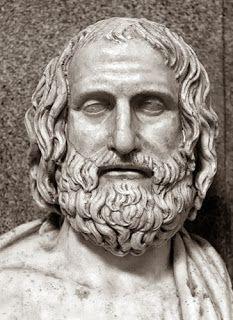 """Protágoras 481-401 a.C. Características: -Ley necesaria para la paz. -Relativismo moral -Defensor de la phisis. Admirado experto en retórica que recorría el mundo griego cobrando elevadas tarifas por sus conocimientos. Platón le acredita como el profesor de """"virtud""""."""