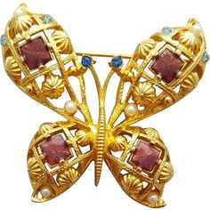 Big, beautiful, butterfly brooch in minty condition ready for spring and summer. Measurements: 2-1/4 inches X 2-1/4 inches. A sale price for a short